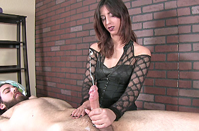 Bad Girl Lola Bellastar Ruins Him at MeanMassage.com