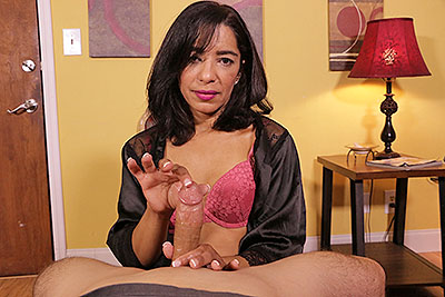 Latina MILFS Do It Better - Amelia at Over40HandJobs.com